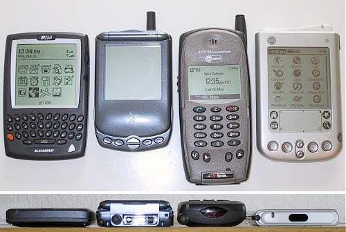 Слева направо: Blackberry 957, Treo 180, Kyocera QCP-6035, Palm i705